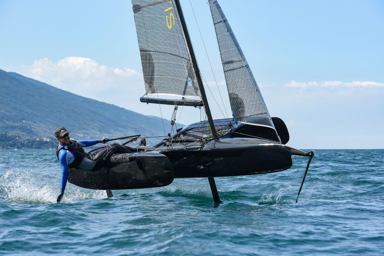 Flying Mantis Boat International